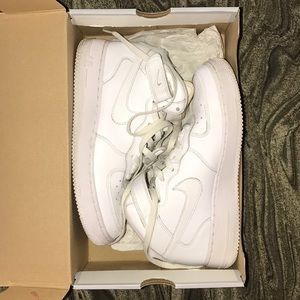 White Air Force Mid